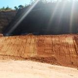 onde faz serviço de nivelar terreno declive para construção Cotia