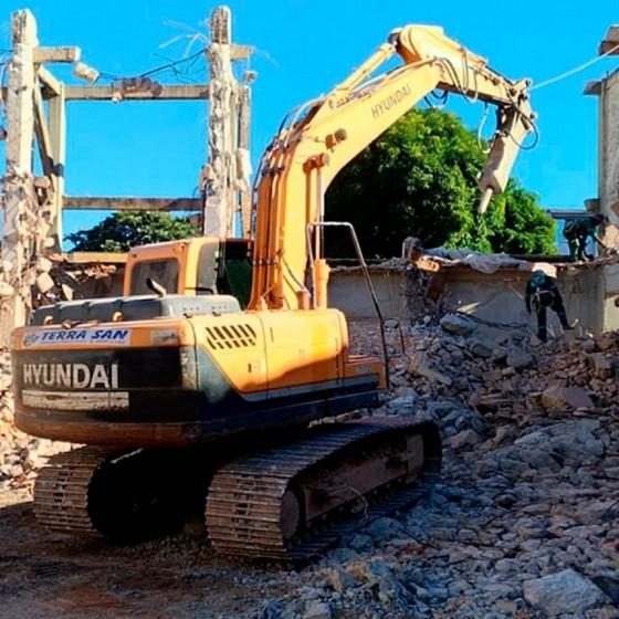 Demolição de Muros Rio Pequeno - Demolição Administrativa