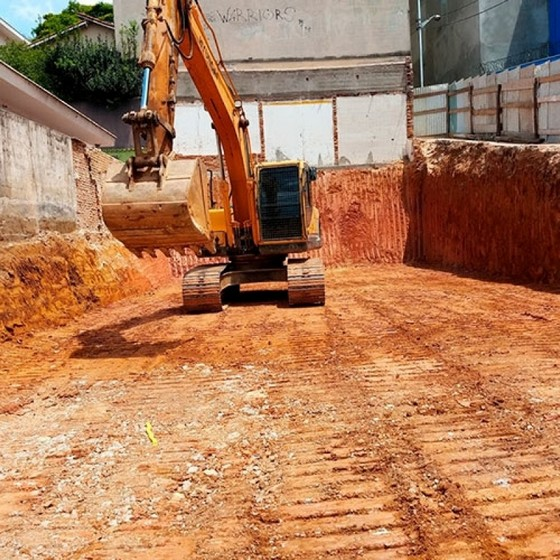 Onde Faz Limpeza de Terreno para Construção Barueri - Limpeza de Terreno com Escavadeira