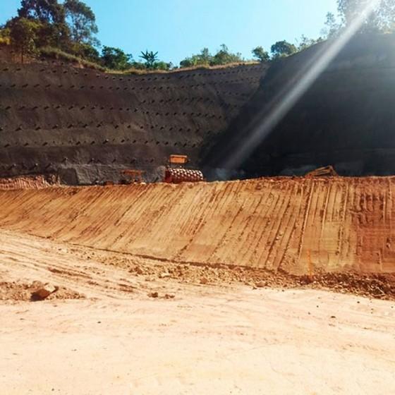 Onde Faz Serviço de Nivelamento para Terreno Itapevi - Nivelamento de Terreno Declive