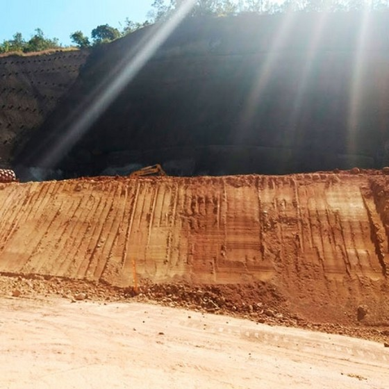 Onde Faz Serviço de Nivelar Terreno Declive para Construção Cotia - Nivelamento de Terreno para Construção