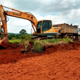 nivelar terrenos aclive para construção Vila Romana